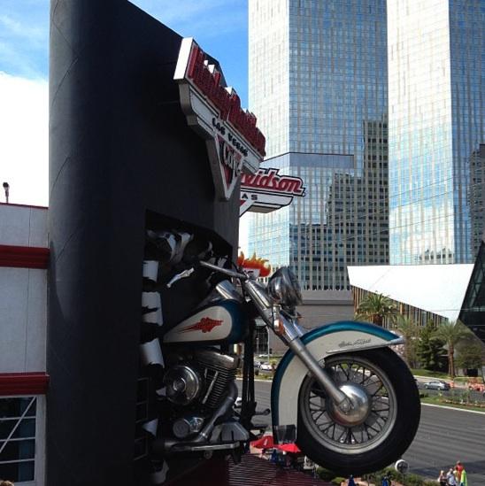 harley davidson giant motorcycle las vegas