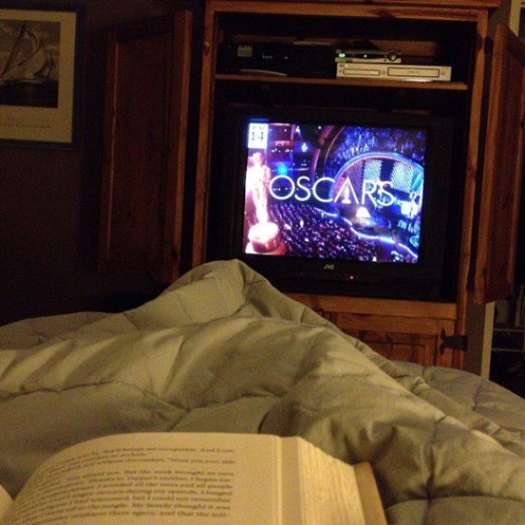 oscars in bed